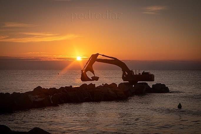 Se inician las obras de las escolleras en la playa de Almenara
